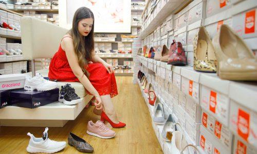 Най-важният акцент – обувките! Изборът в магазина на Deichmann определено е голям. Какви да бъдат? Сникъри или обувки с ток?